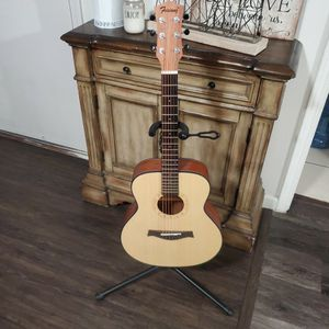 FeiXiang Guitar Starter F MINI for Sale in Covina, CA