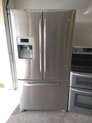 G.e. stainless steel fridge bottom freezer for Sale in Phoenix, AZ