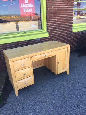 Very Nice 👍 Solid Wood Desk! for Sale in Nashville, TN
