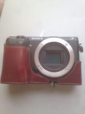 Sony NEX 24.3 MP mirrorless digital camera only body for Sale in Dayton, OH