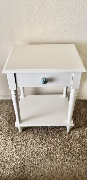 Side Table / End Table for Sale in Fresno, CA