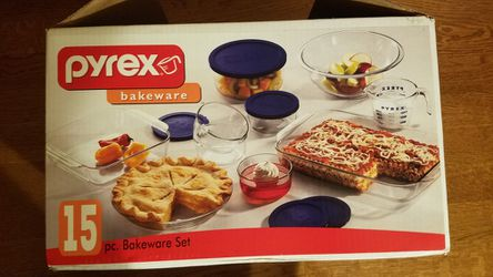 Pyrex 15 piece bakeware for Sale in Niles,  IL