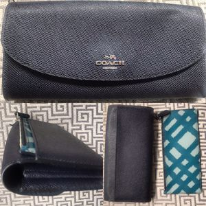 New COACH Leather Wallet • Removable Change Purse • Designer for Sale in Washington, DC