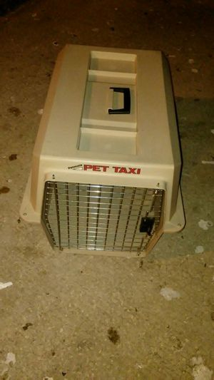 Dogs house pet taxi good condition. 17 h 23 l. 15 w for Sale in Sanford, FL