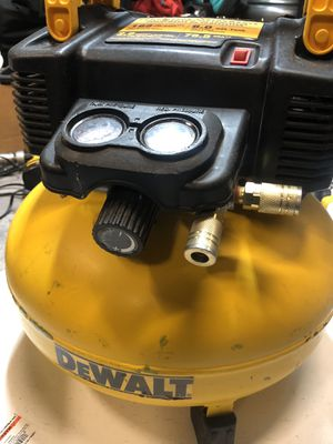 6 gallon Dewalt air compressor for Sale in Hayward, CA