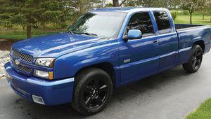 2OO3 Chevrolet Silverado 1500 SS Automatic transmission for Sale in Phoenix, AZ
