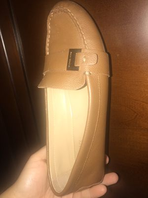 7.5M: MICHAEL KORS LEATHER LOAFERS WOMEN for Sale in Miami Gardens, FL