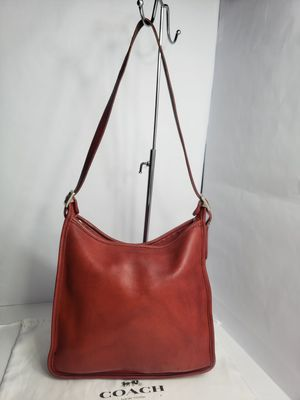 Vintage Authentic Coach Red Shoulder Bag with adjustable strap PRICE FIRM 🚫 for Sale in San Antonio, TX