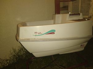 Therapy sink with hoist for Sale in Reedley, CA
