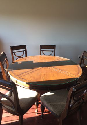 Kitchen Table with 6 chairs (Ashley Furniture) for Sale in Bristow, VA