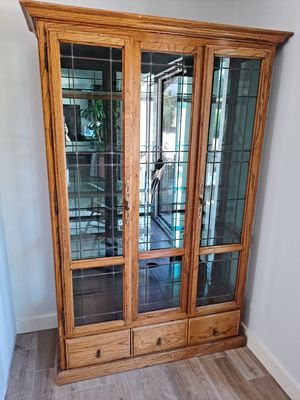 China cabinet for Sale in Fallbrook, CA