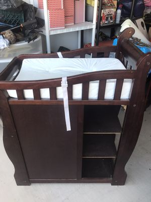Baby Crib with changing table for Sale in Queen Creek, AZ