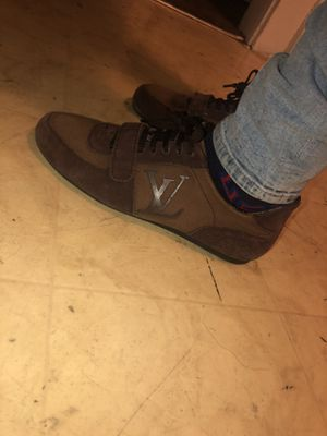 Louis Vuitton size 8.5/9 only wore them to places special or like if i was to where a tie for Sale in Cleveland, OH
