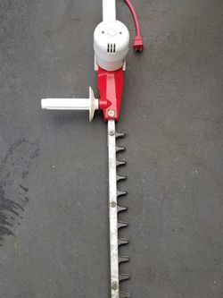 ELECTRIC HEDGE TRIMMER for Sale in Everett,  WA
