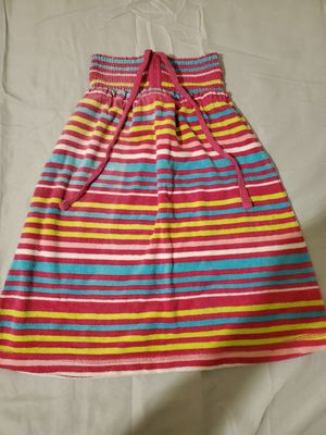 GAP KIDS Brand SIZE SMALL 5-7 LITTLE GIRL'S TERRY CLOTH DRESS for Sale in Croydon, PA