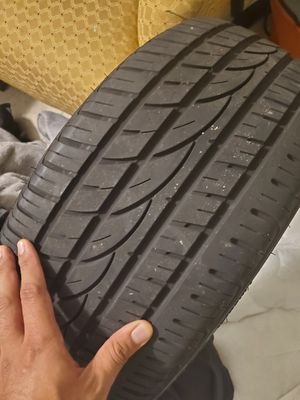 Tire 225,40,18 only one used for Sale in Wilton Manors, FL