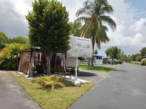 Rv for sale for Sale in Pembroke Park, FL