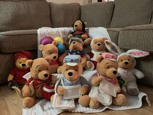 Winnie The Pooh Stuffed Animal Collection for Sale in Pompano Beach, FL