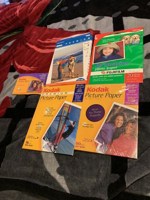 Photo paper big sizes and small sizes... for Sale in Cleveland, OH