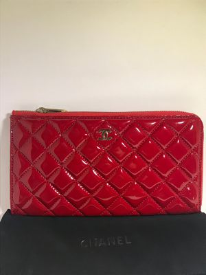 Chanel Lambskin Leather Wallet for Sale in Queens, NY