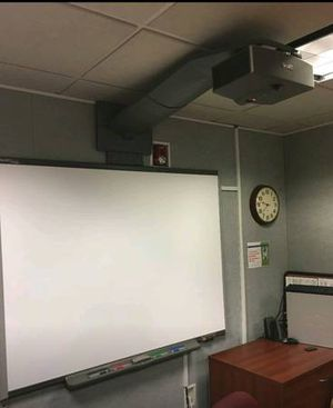 PROJECTOR AND SMART BOARD for Sale in Washington, DC