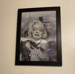 Holographic Marilyn Monroe picture for Sale in Nampa,  ID