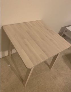 Breakfast Table for Sale in Baldwin Park,  CA
