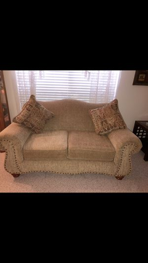 Couch and love seat for Sale in Pearland, TX
