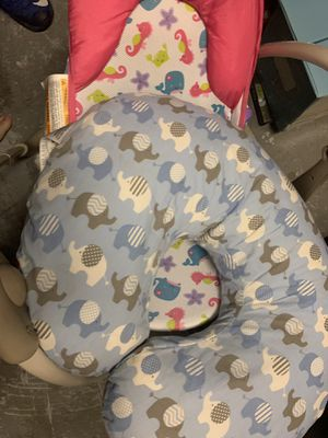 Baby boppy and bath for Sale in Port St. Lucie, FL