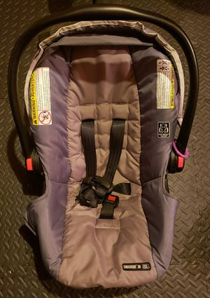 Graco Car Seat with quick connect base for Sale in Lititz, PA