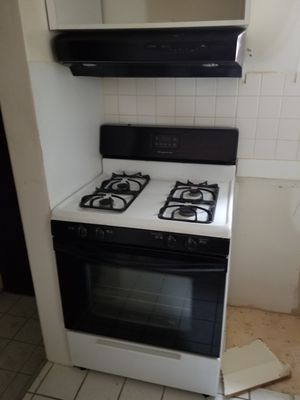 Stove and fan hood for Sale in Chicago, IL