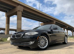 2011 BMW 535i PREMIUM PACKAGE ** clean title immaculate condition ** for Sale in Dallas, TX