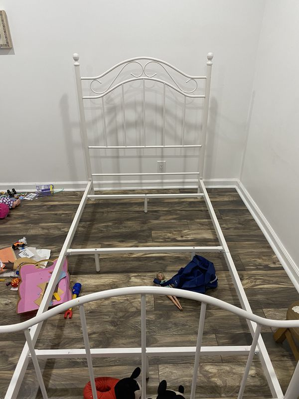 Twin kids bed FREE!!!