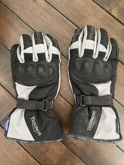 Triumph Motorcycle Winter Gloves, Size Large for Sale in Seattle,  WA