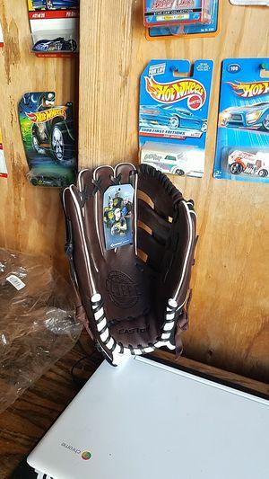 """El Jefe Easton slowpitch glove, 12.5"""" for Sale in Whittier, CA"""