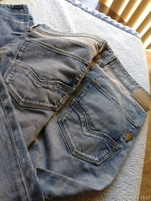 Guess Mens Jeans Size 38 for Sale in Silver Spring, MD