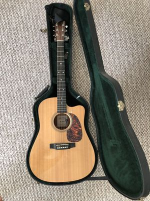 Martin DC-16GTE guitar with internal mic pick up and case for Sale in Torrance, CA