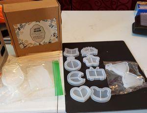Let's Resin shaker molds, full set. for Sale in Brockton, MA