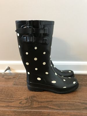 Size 7 Target Rain Boots for Sale in Smyrna, TN