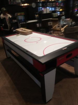 Air hockey , pool table for Sale in New York, NY