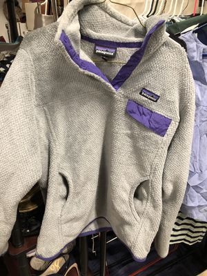 Women's Grey & Purple Patagonia Pullover Size M for Sale in Waynesboro, VA