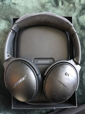 Bose QC 35 II Acoustic Noise Cancelling Headphones BOSE QuietComfort 35 II NEGOTIABLE for Sale in Queens, NY