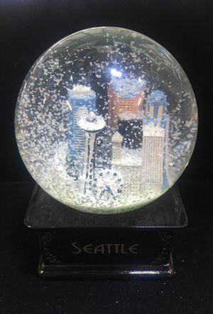 Seattle snow globe for Sale in Tacoma, WA
