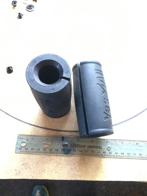 Weightlifting grip for curling bar or dumb bells for Sale in Colorado Springs, CO