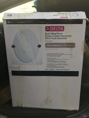 DELTA OVAL MIRROR for Sale in Lake Worth, FL