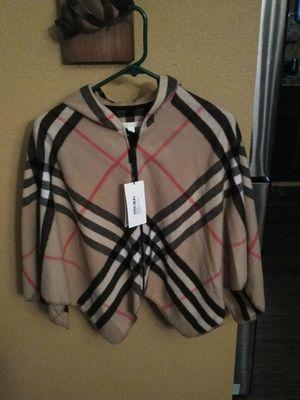 Burberry NEW cape poncho child sz 8-15 for Sale in Delano, CA