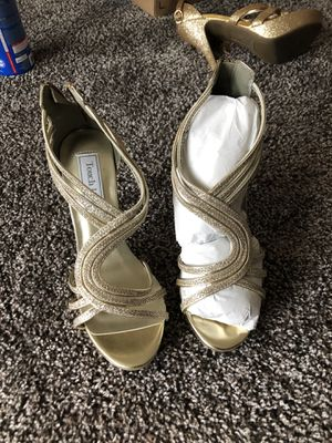 Gold Heels By Touch Ups Size 7M for Sale in Vernon, WI