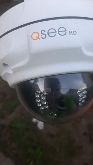 Q SEE HD CAMERA/ with NIGHT VISION for Sale in Auburn, WA