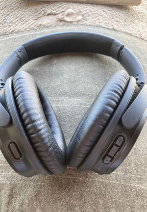 Bose Quiet comfort 35 noise cancellation headphones for Sale in Peoria, AZ