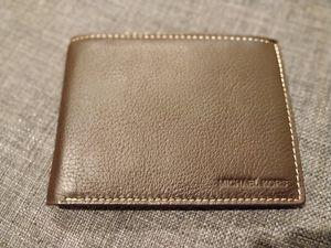 New men's Michael Kors wallet for Sale in Upland, CA